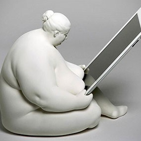 fat-naked-lady-ipad-dock-thumb