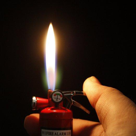 fire-extinguisher-lighter